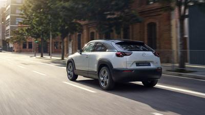 El MX-30 eléctrico totalmente renovado presenta las dinámicas superiores de conducción de Mazda